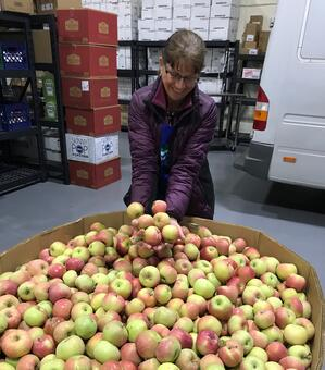 Tina with Olathe Apples-1