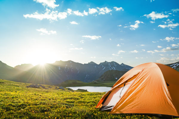 camping-in-mountains_600x400